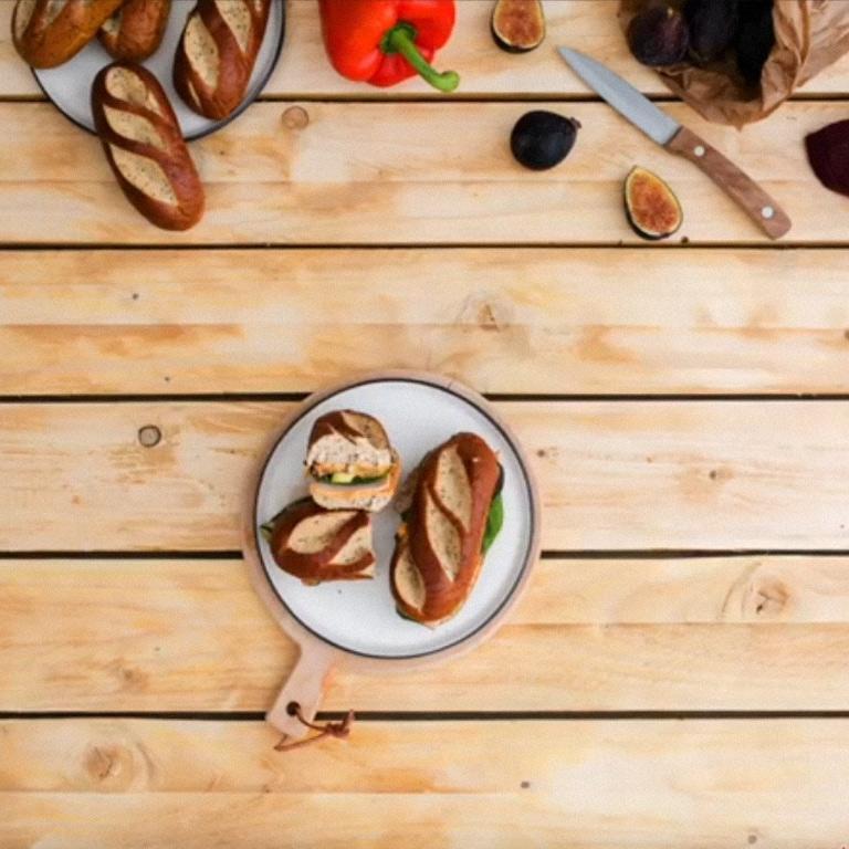Sandwich crème de poivrons-figues