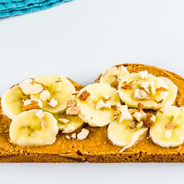 Tartine banane-amande